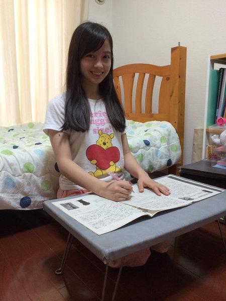 橋本環奈 勉強机
